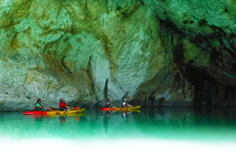 Kayaks en los Pirineos